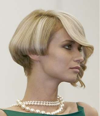 Hairstyle Layered Bob Haircut